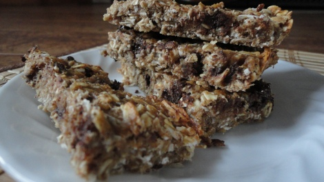 Vegan Peanut Butter Chocolate Chip Protein Bars